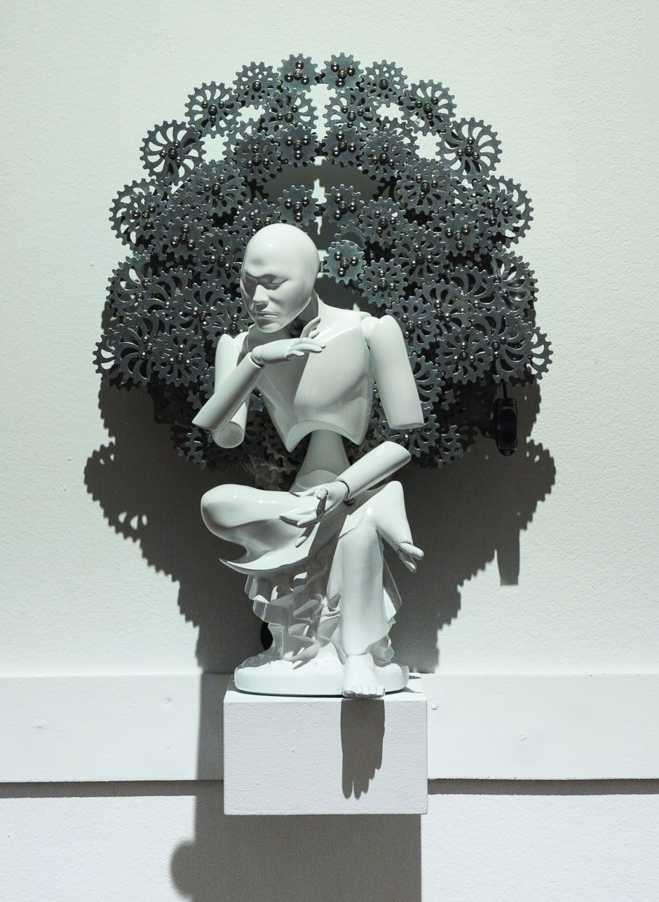 25-Pensive mechanical Bodhisattva mini_urethane, metallic material, machinery, electronic device (CPU board, motor)_size가변설치_2011