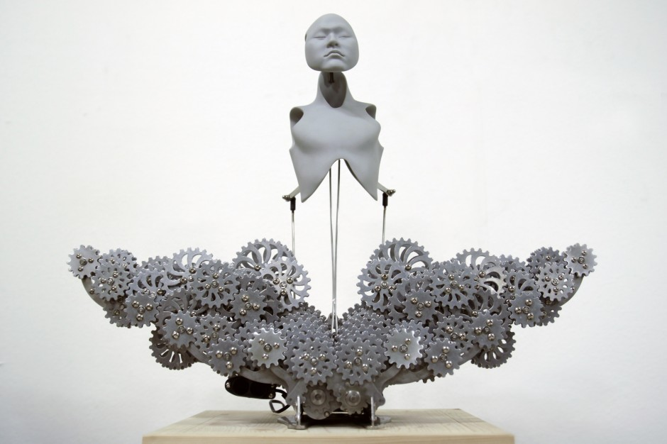 34-Mechanical Buddhahood_urethane, metallic material, machinery, electronic device (CPU board, motor)_58(w)x25(d)x45(h)cm_2014